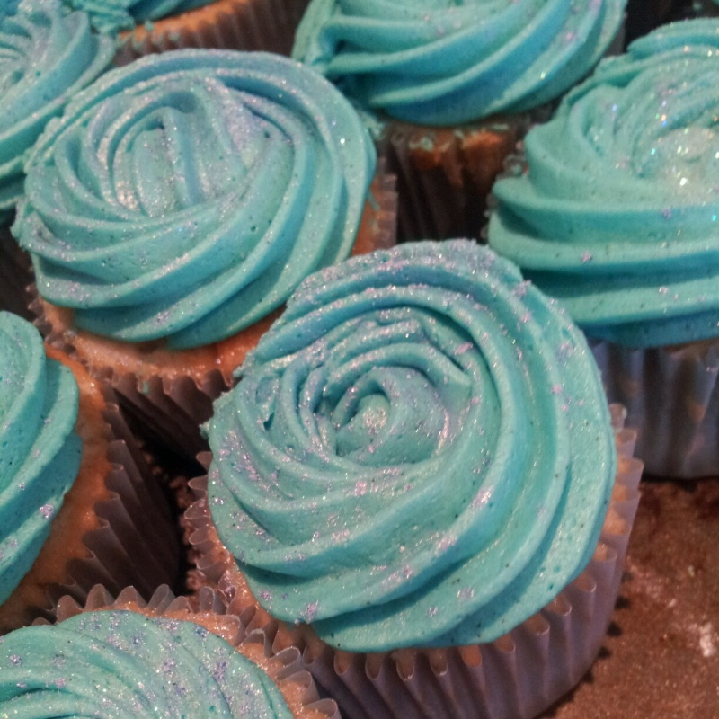 Extremely fragrant Green Tea and Jasmine Vintage Rose Swirl Cupcakes (With obligatory birthday glitter and lustre powder)