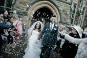 Gratuitus confetti shot - arriving at Jesmond Dene House