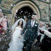 Gratuitus confetti shot - arriving at Jesmond Dene House
