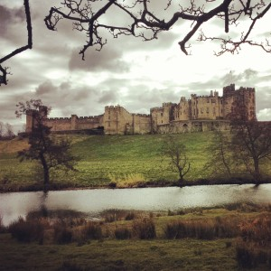 Perfect Cake spot: A blustry day by Alnwick Castle