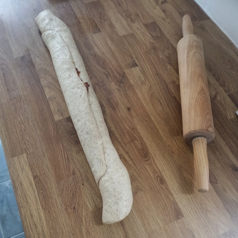 2. Roll up the dough from the longest edge to the longest